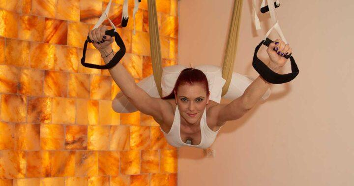 Курс за инструктори по въздушна йога на 27 септември